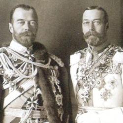 Une ressemblance troublante entre Nicolas II et le roi George V