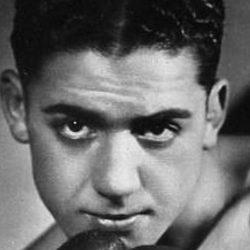 Young Pérez, boxer pour survivre en camp de concentration