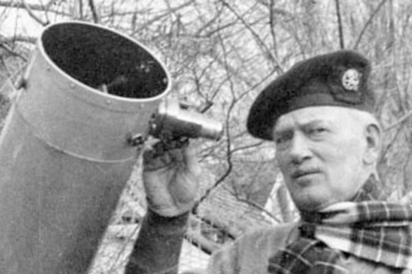 Léon Stuart, l'homme qui observa un impact de météorite sur la Lune